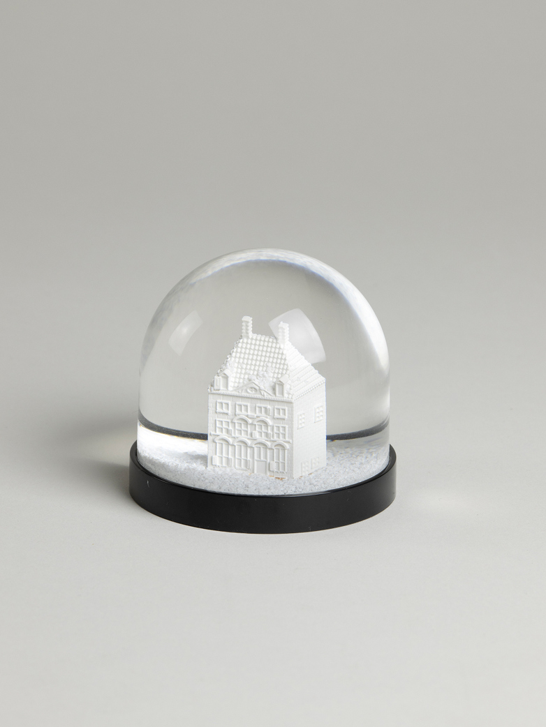 Rembrandts House Snow Globe