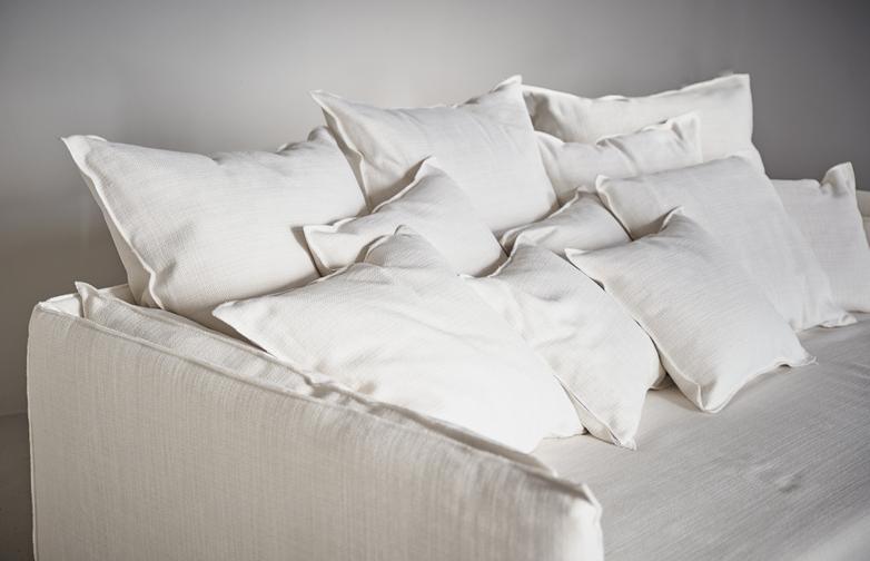Ghost 16 Sofa – Trama Vaniglia