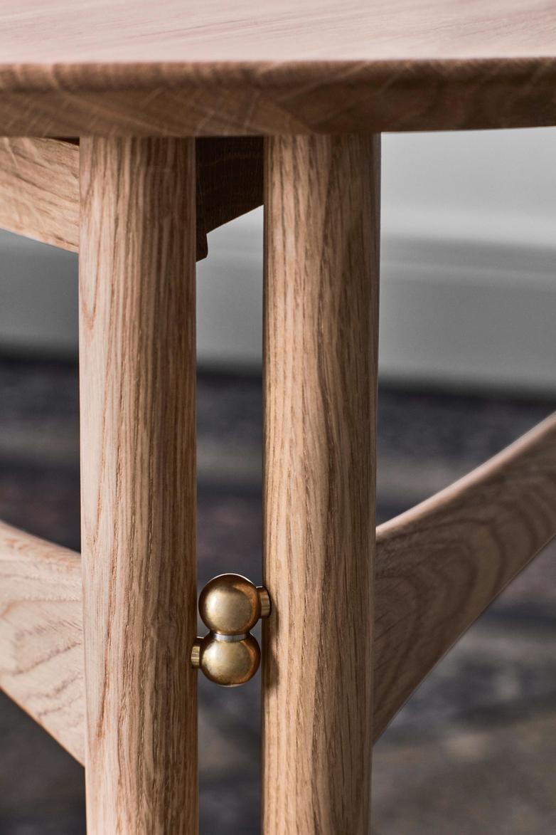 Drop Leaf HW5 Lounge Table - Oak