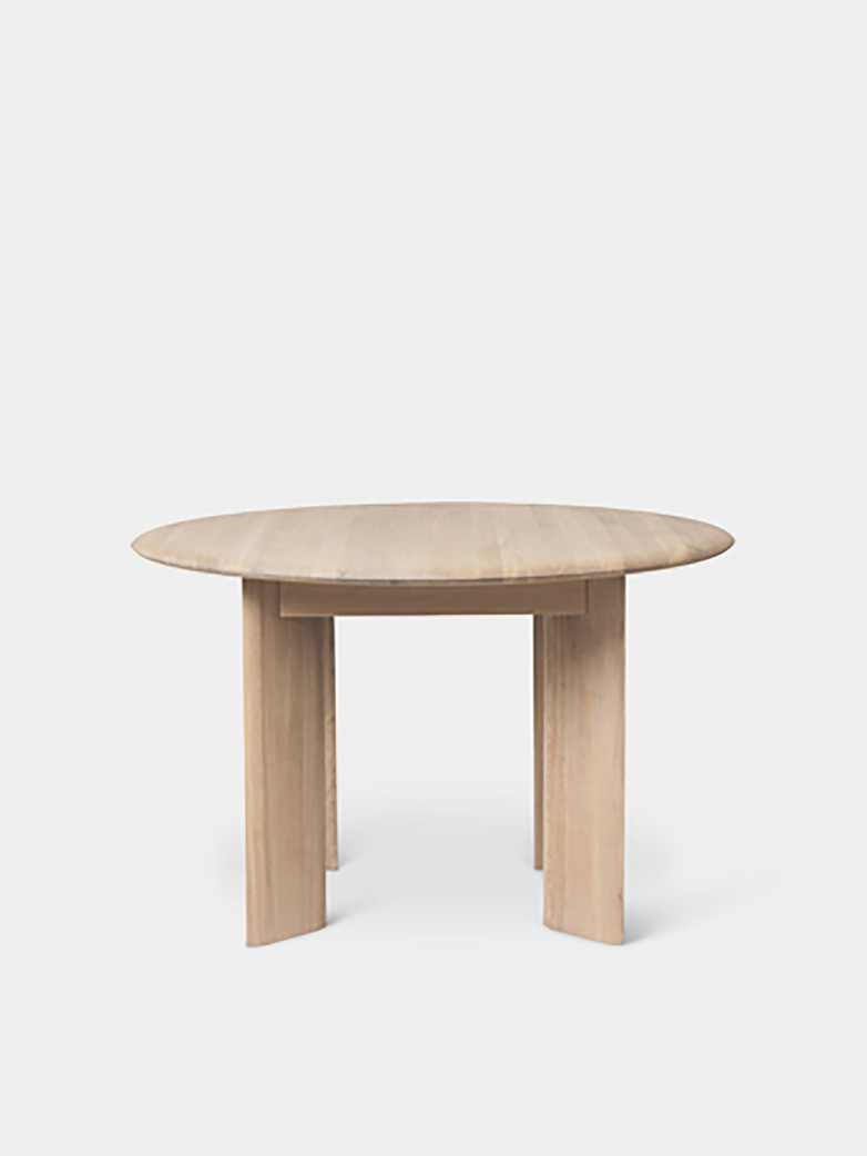 Ferm Living - Bevel Table Round 117 cm  White Oiled Oak