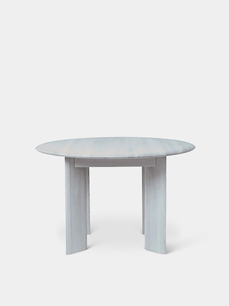 Ferm Living - Bevel Table Round 117 cm  Ice Blue Oiled Oak