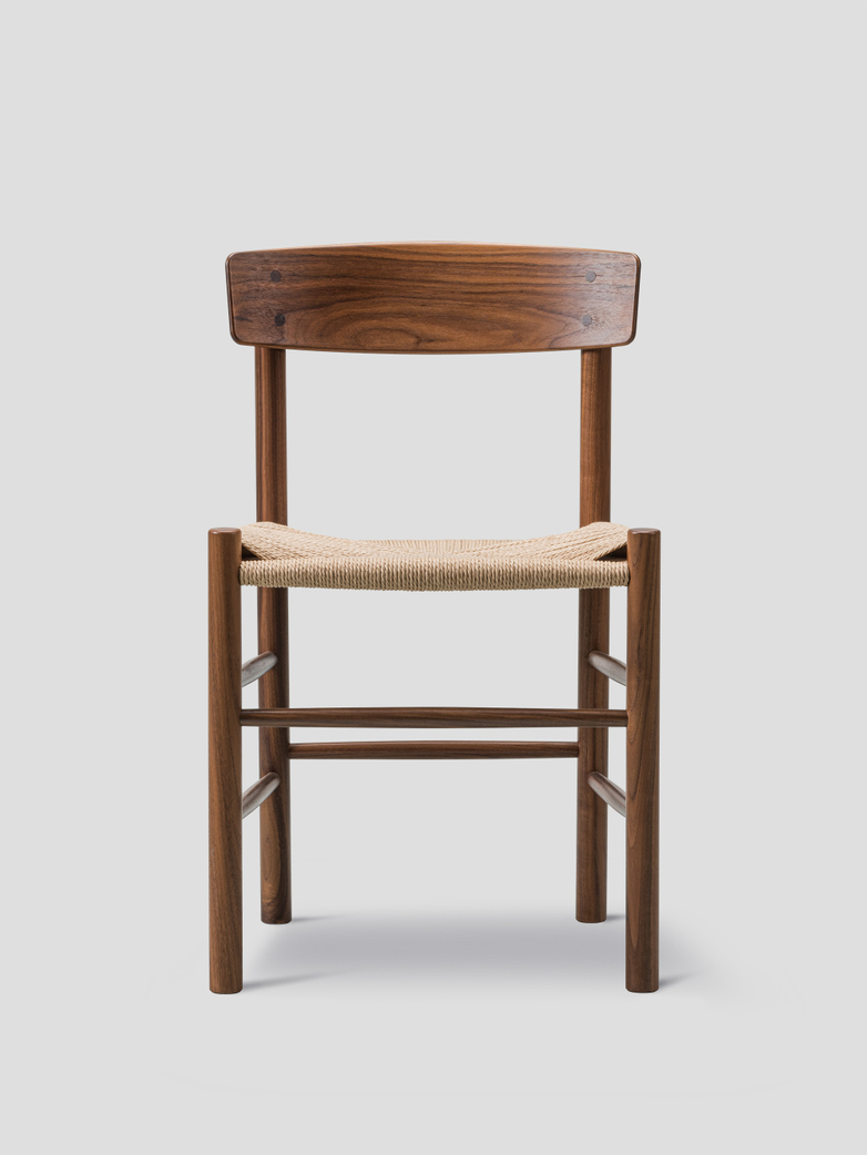 J39 Chair – Oiled Walnut – Natur
