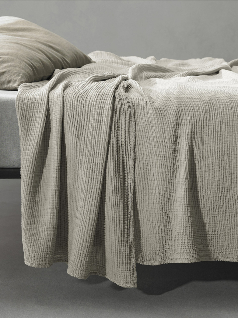 Free New Bed Cover 250x260 202 Mastice