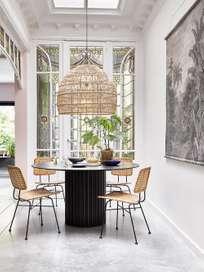 Pillar dining table round - black
