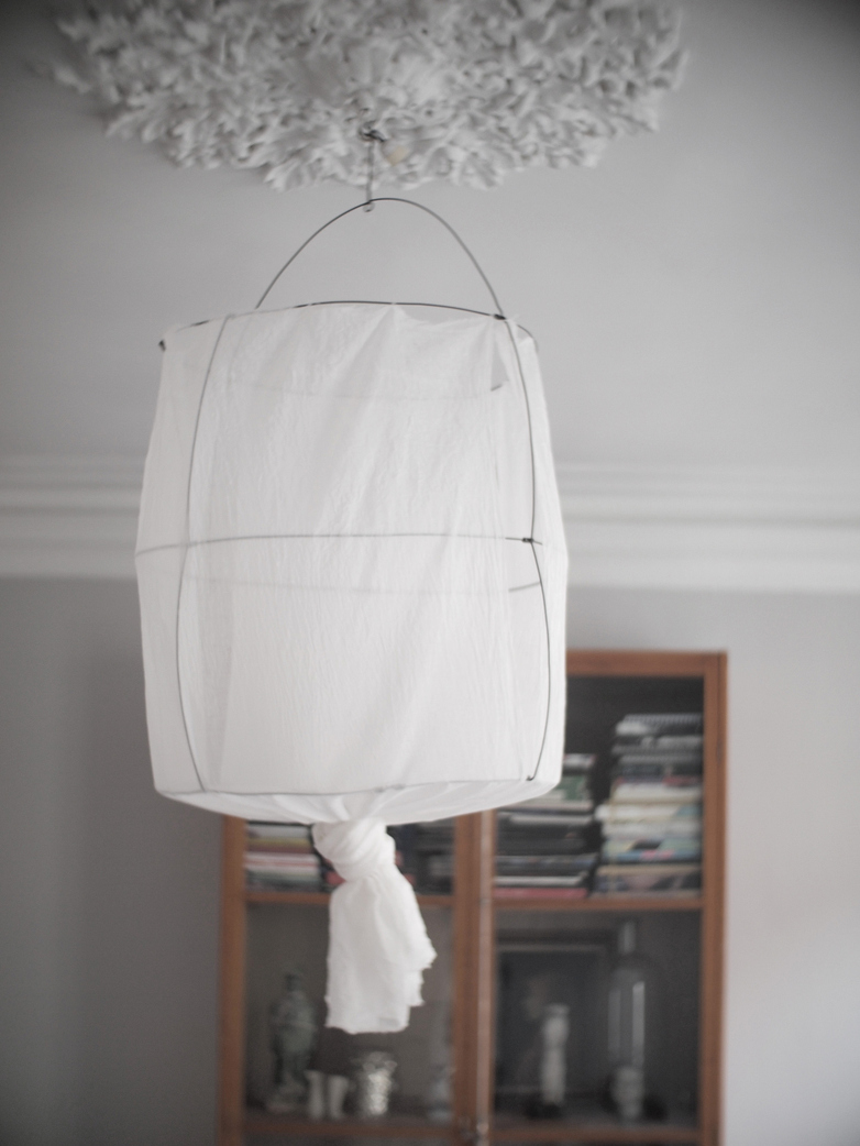 Schooley Lamp White