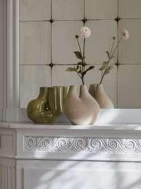 W&S Chamber Vase - Light Beige