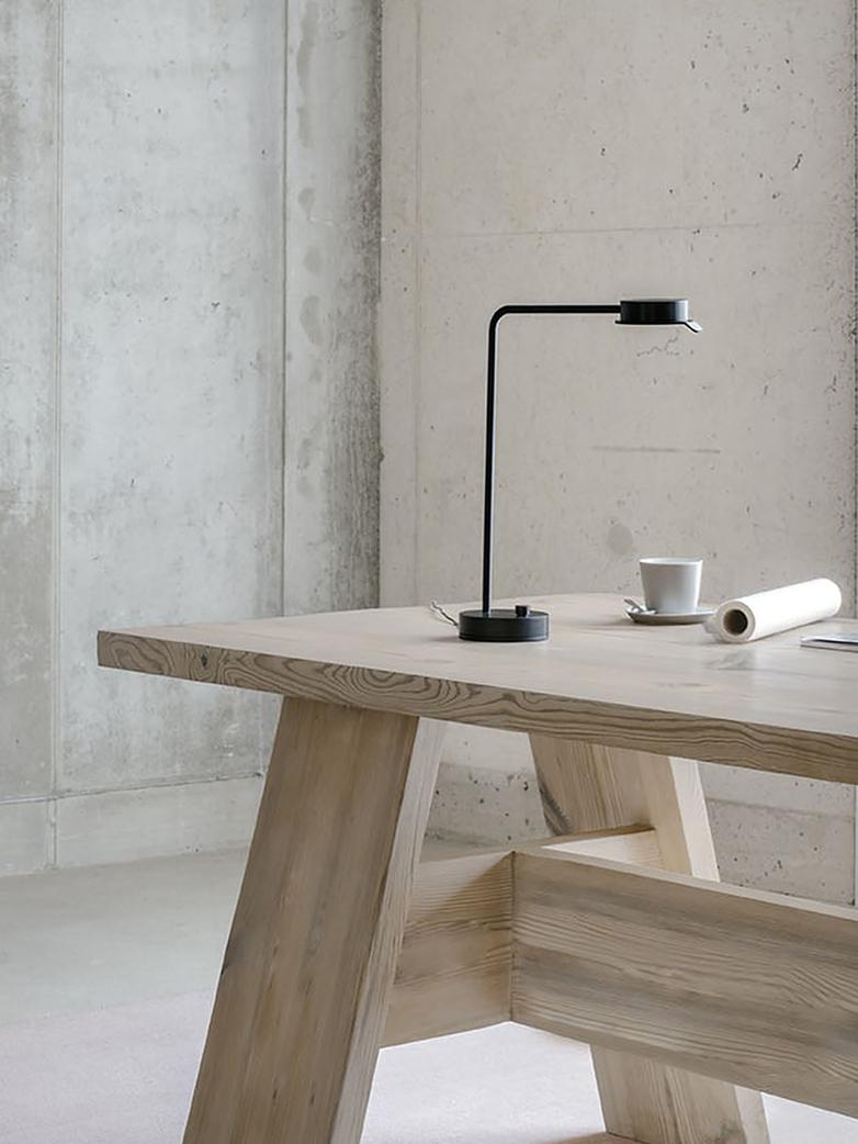 Chipperfield w102 Table Lamp - Black Steel