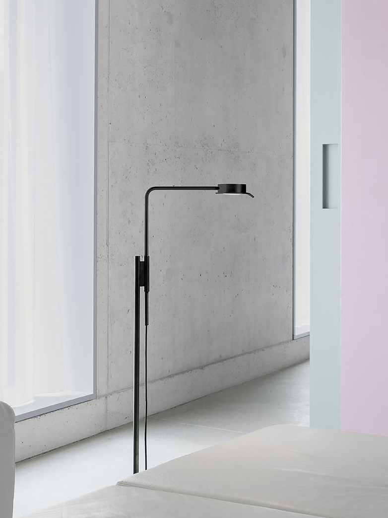 Chipperfield w102 Floor Lamp - Black Steel