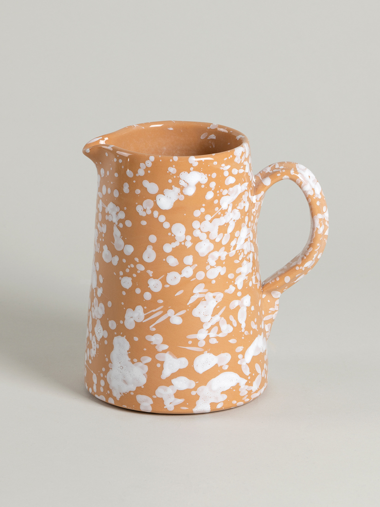 Spruzzi Vivente - Pitcher - White on Terracotta