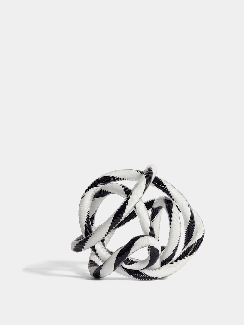 Knot No 2 Black and White