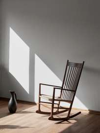 Wegner J16 Rocking Chair – Oiled Walnut