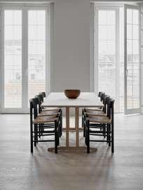 J39 Chair - Black Lacquered Oak/Natural