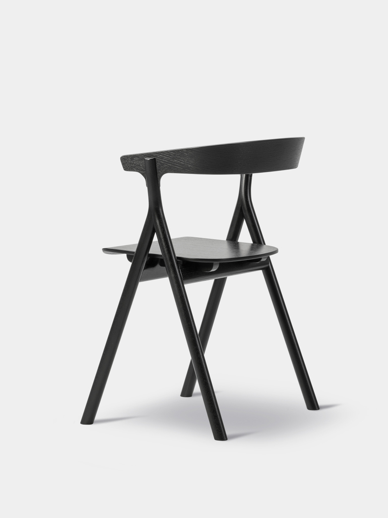 Yksi Chair - Black Lacquered Oak