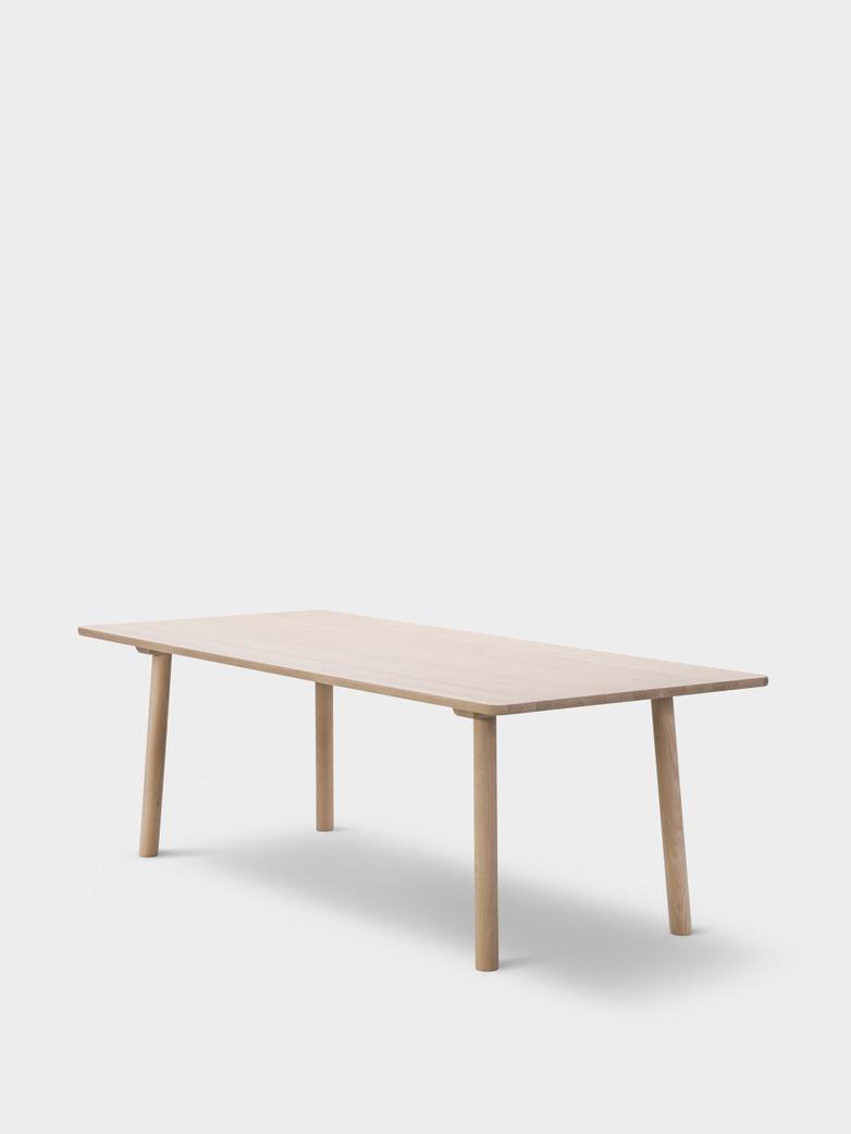Taro 6106 Table - Soaped Oak