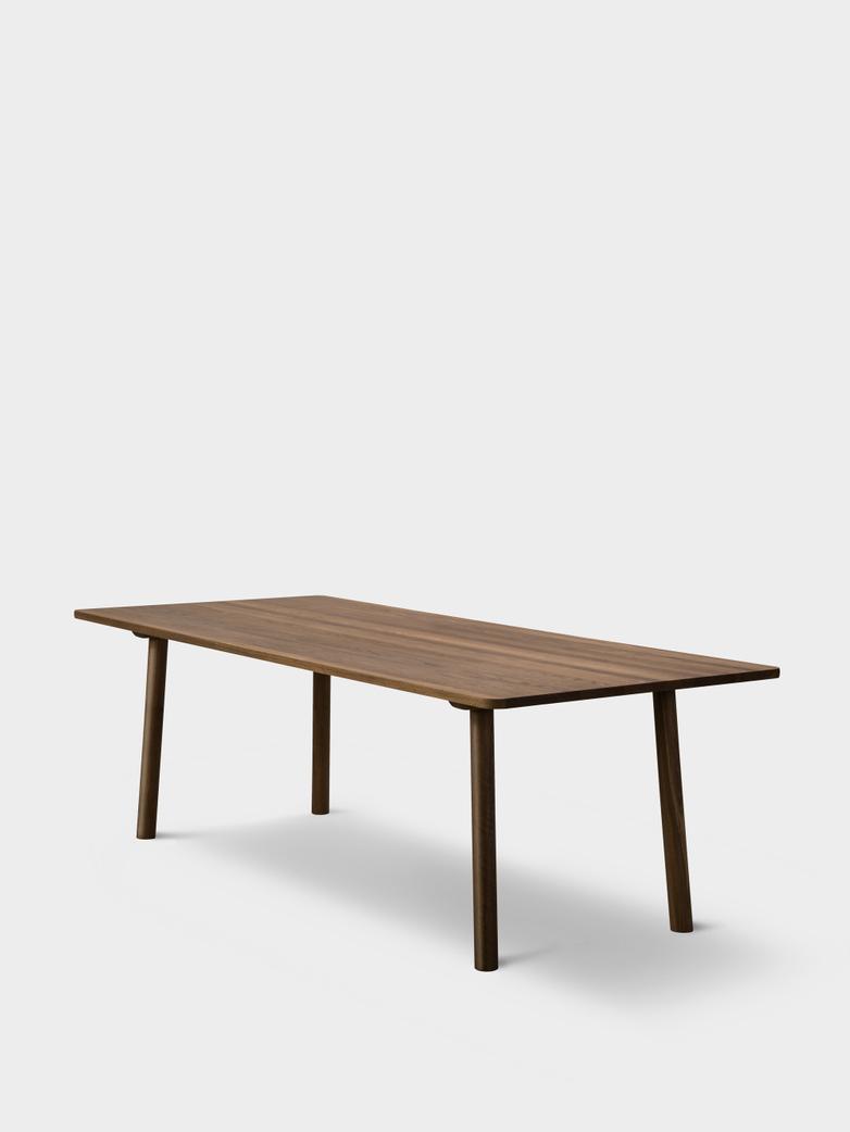 Taro 6106 Table - Smoked Oak