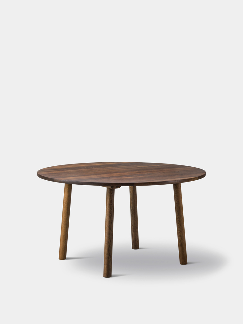 Taro 6121 Table - Smoked Oak