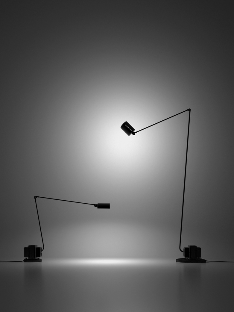 Daphine – Floor Lamp – Black