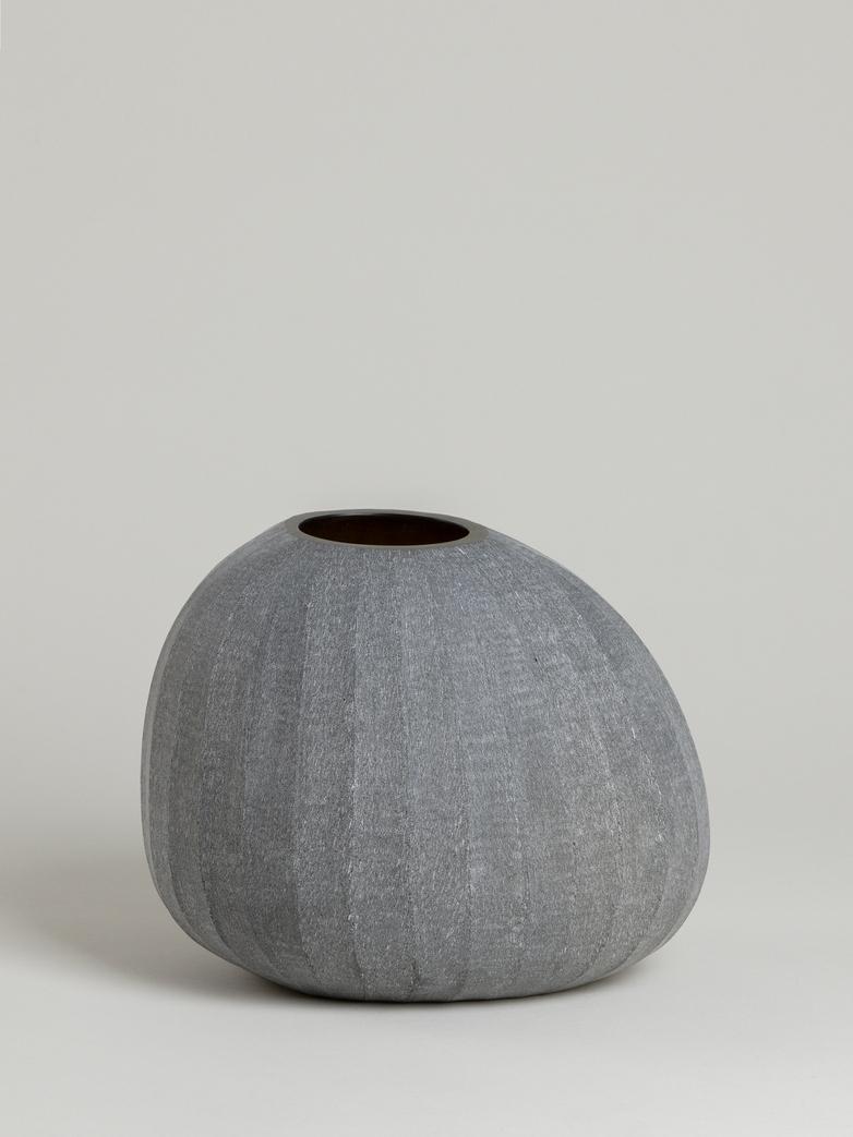 Organic Vase – Smoke