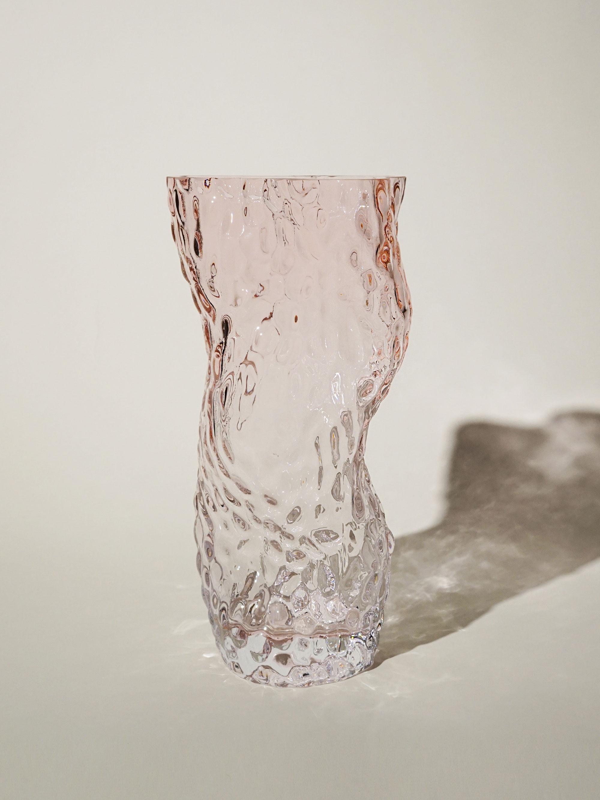 34451_7e7fd807b0-ostrea-rock-glass-vase-pale-rose-hein-studio-zoom.jpg