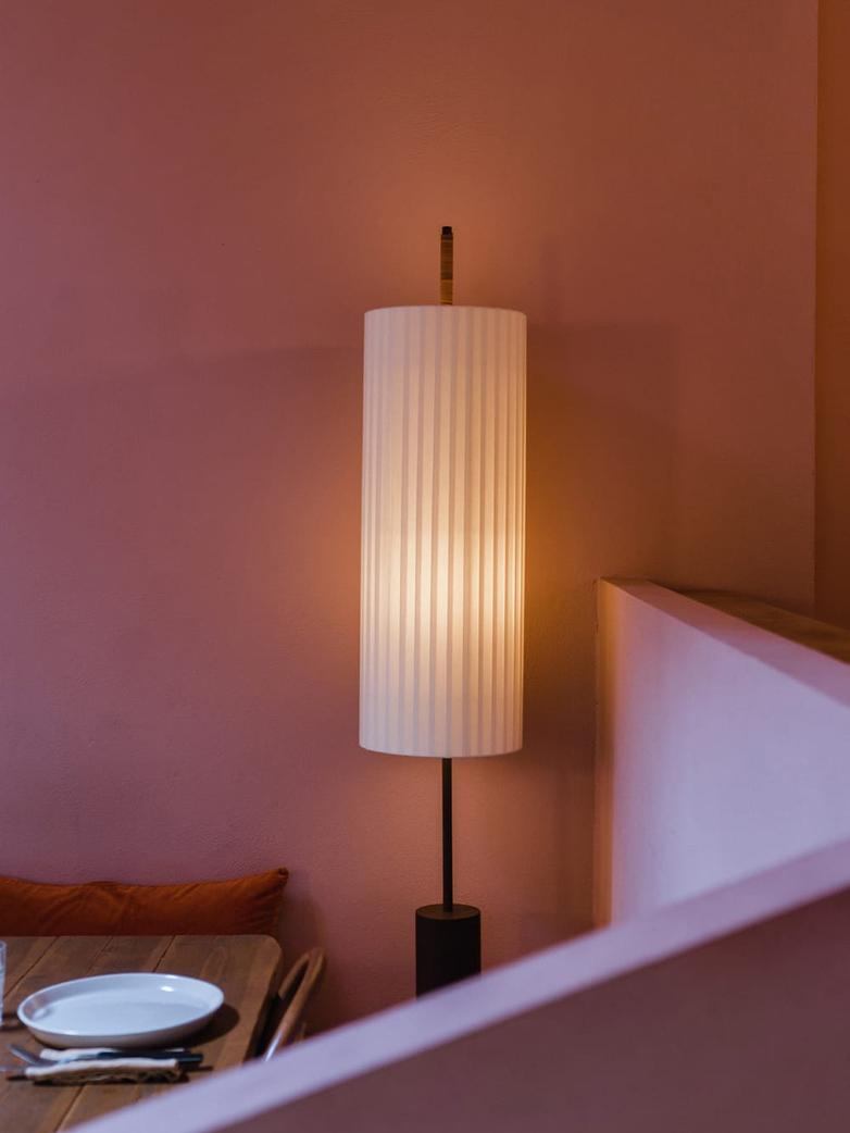 Dórica Floor Lamp