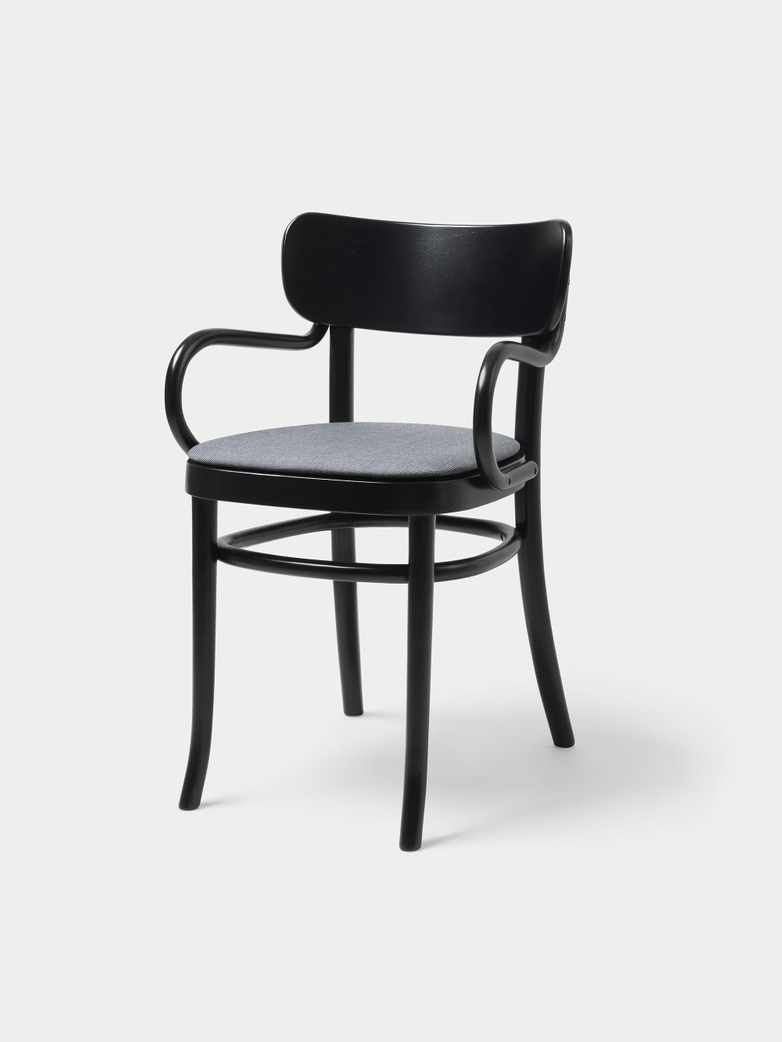 MZO Armchair - Black w.upholstery