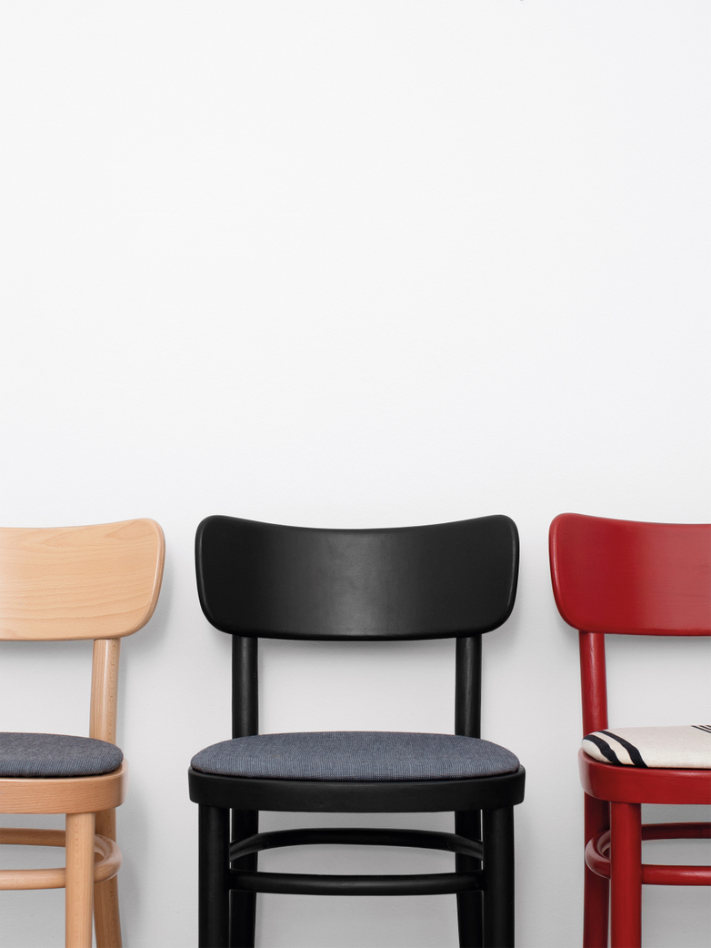 MZO Chair - Red w.upholstery