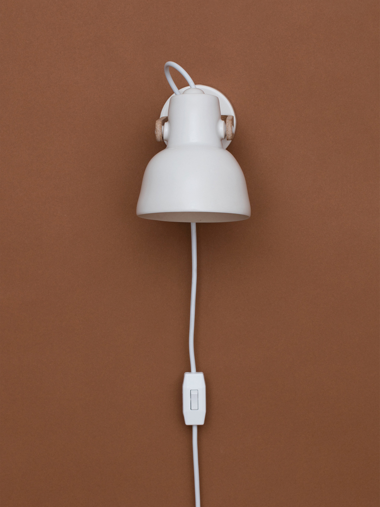 16PLUS - Wall Lamp