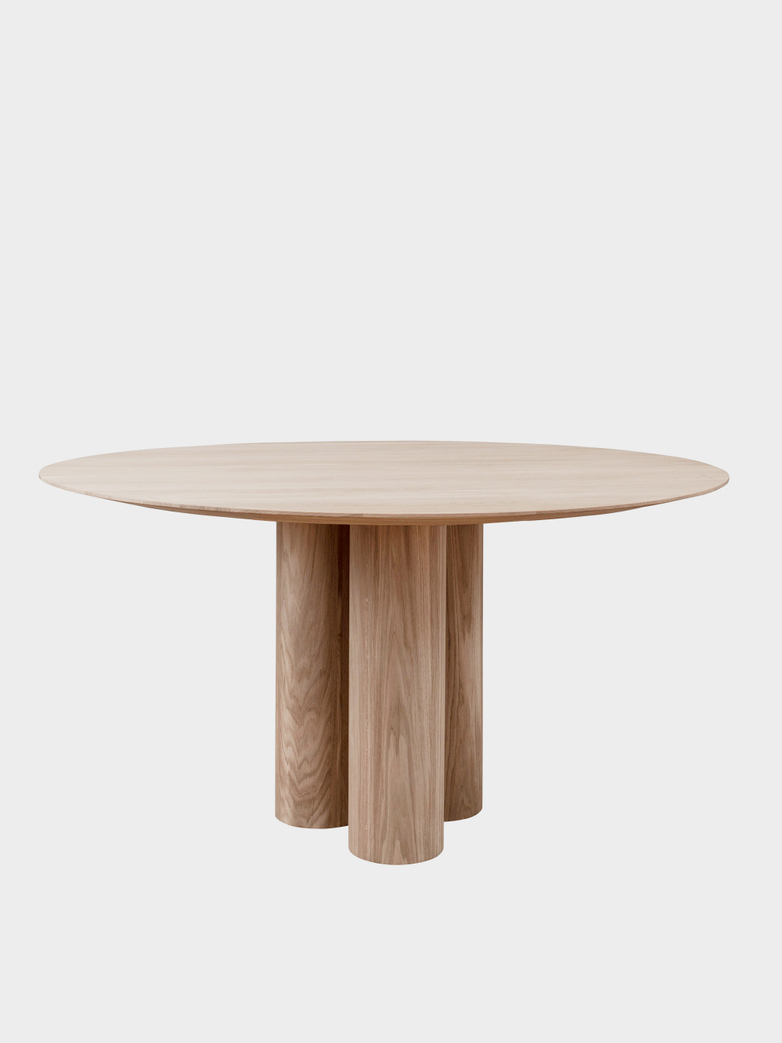 Hommage Grande Dining Table - White Stained Oak - Ø150 cm