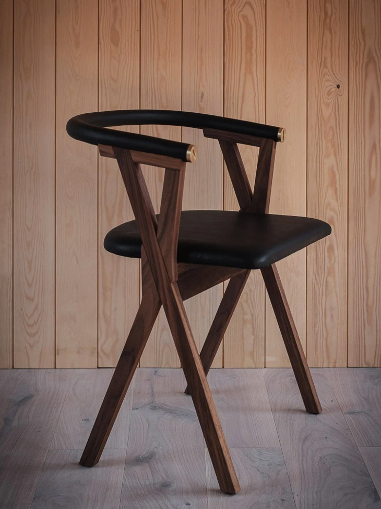 NEB Chair 03 - Walnut/Black Leather
