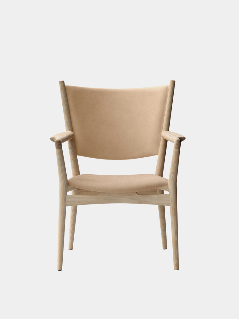 PP240 Conference Chair - Soaptreated Ash - Natural Leather