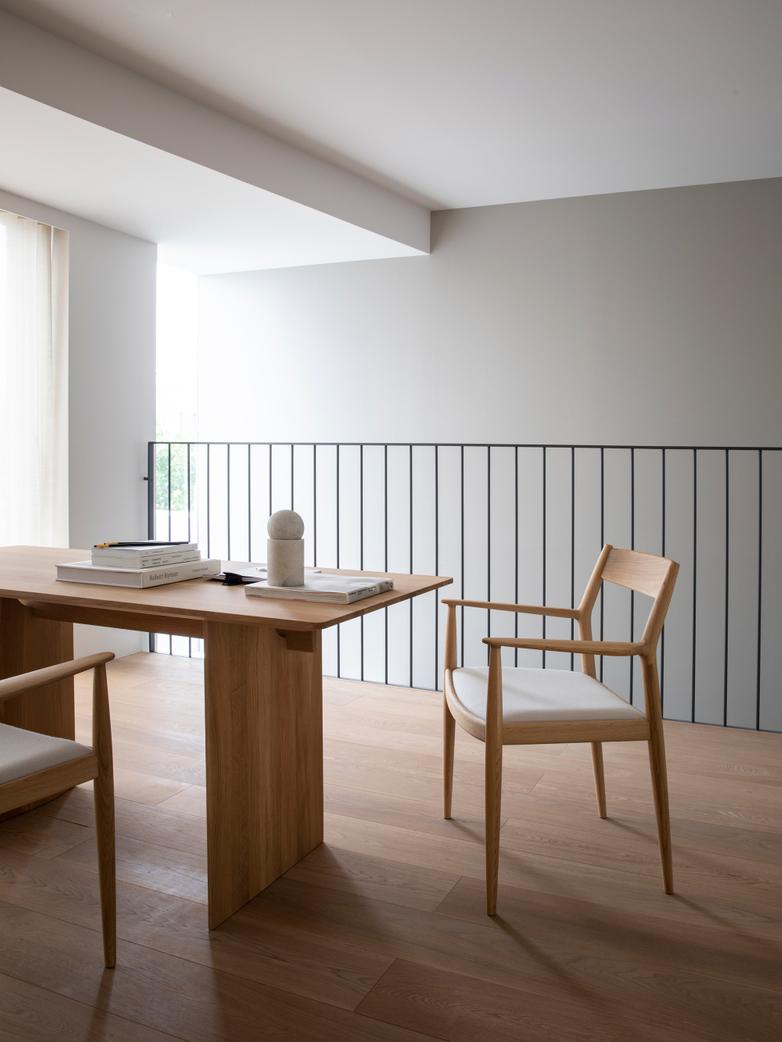 N-DT01 Table - Oak