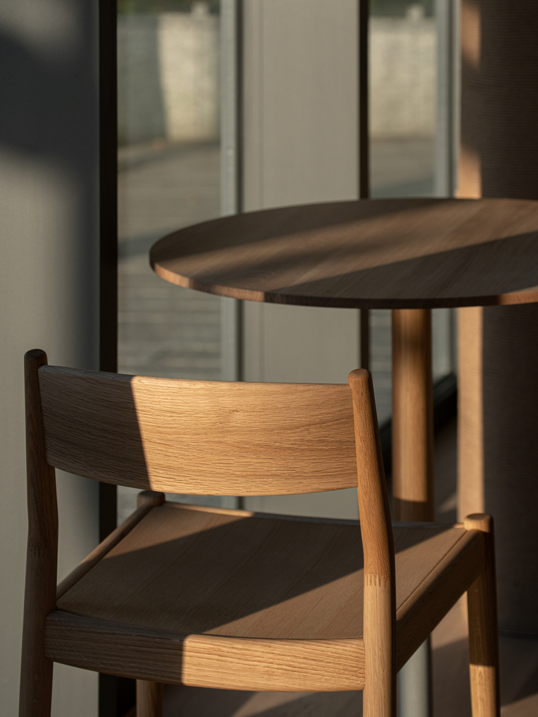 N-DC03 Chair - Oak
