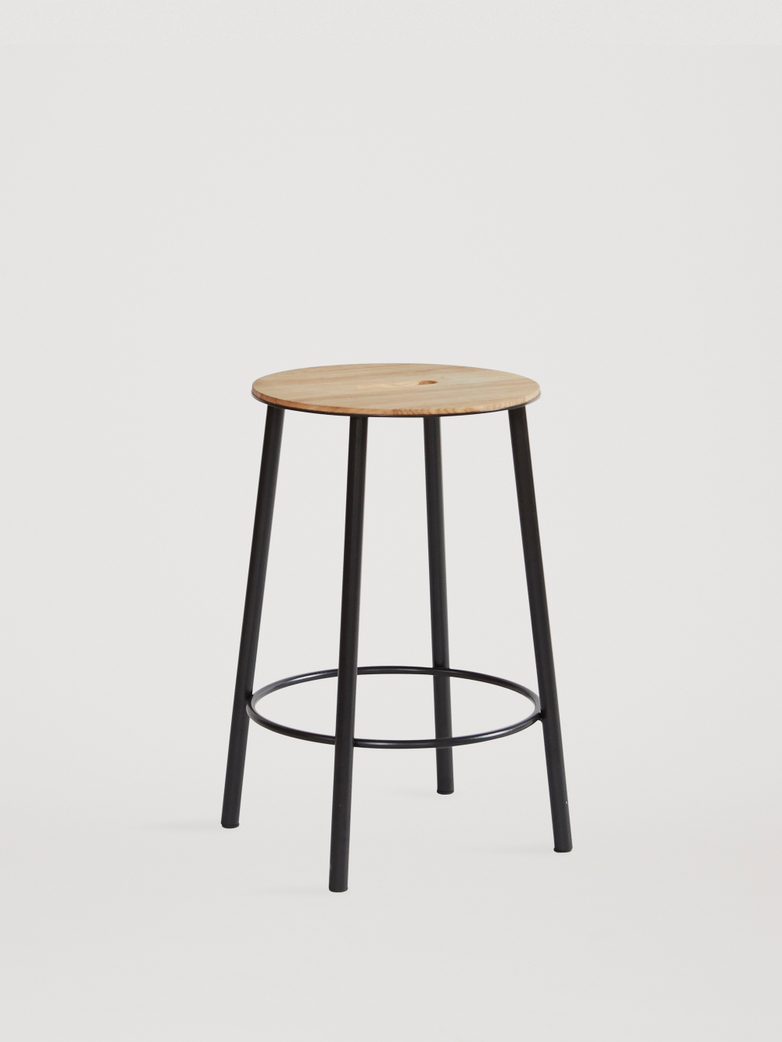 Adam Stool Round Oak - Black