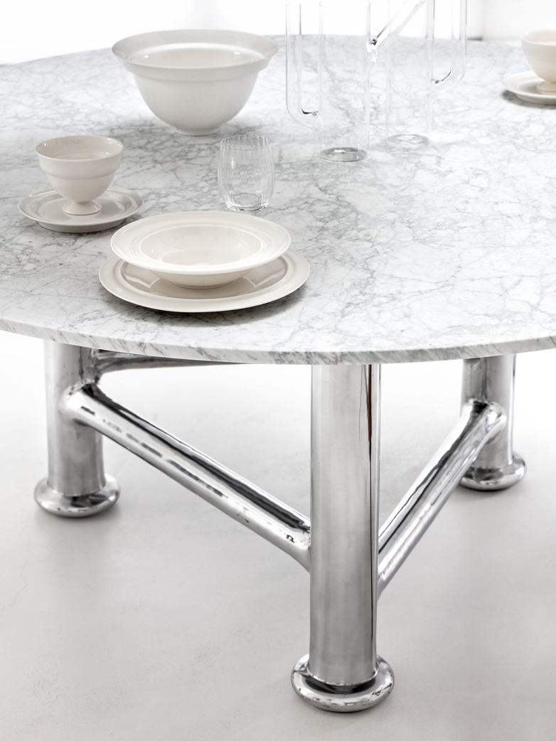 Next Round Table - Marble
