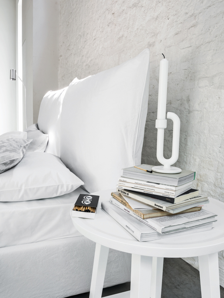 Fly Bed Frame 180 cm