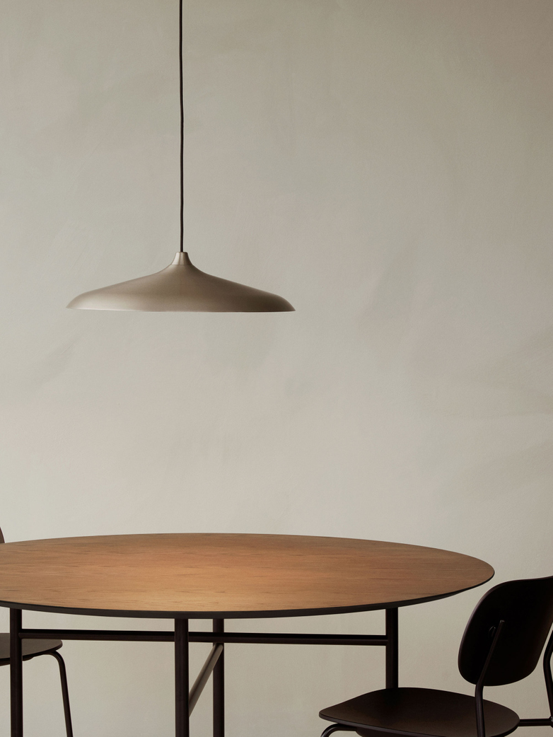 Snaregade Dining Table Round - Dark Stained Oak