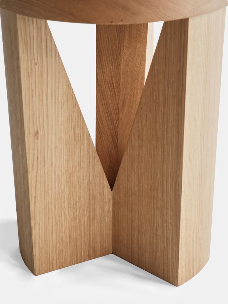 MC20 Cugino Stool – Oak