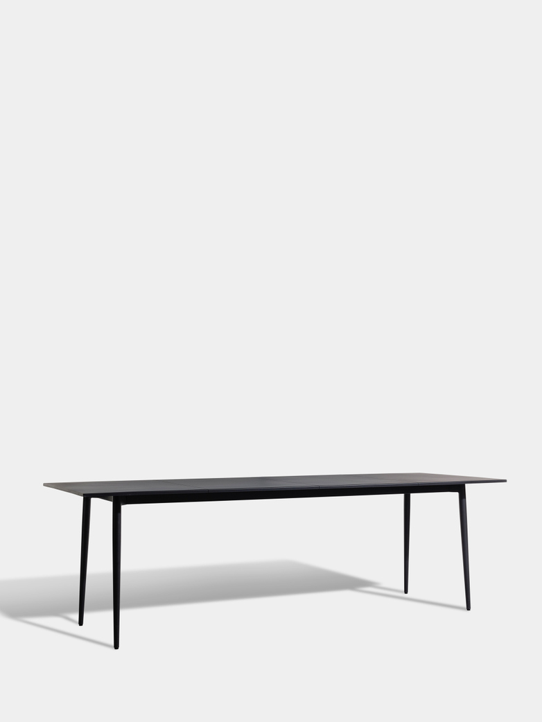 Saltö Dining Table