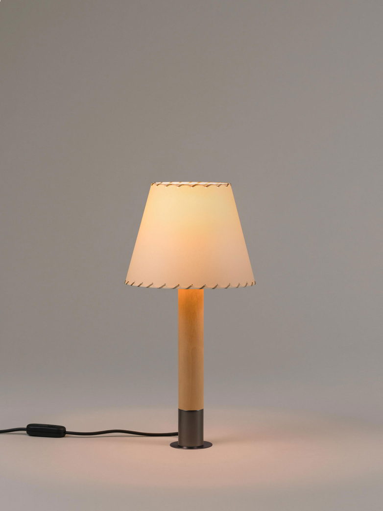 Básica M1 - Table Lamp