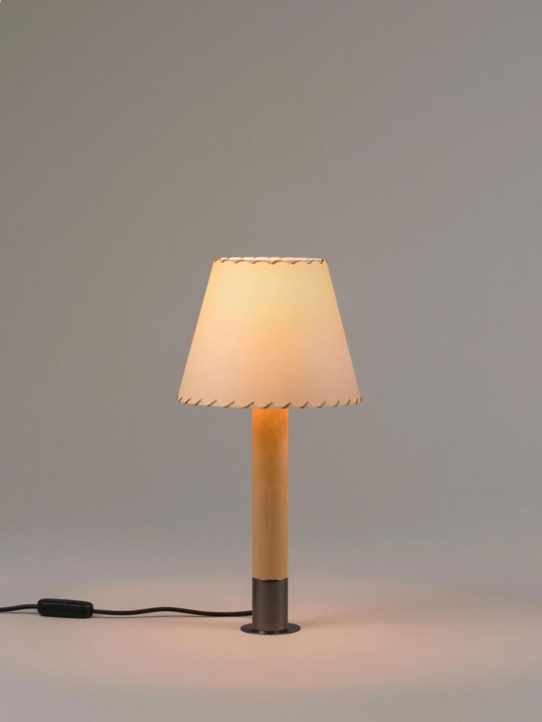 Básica M1 - Table Lamp