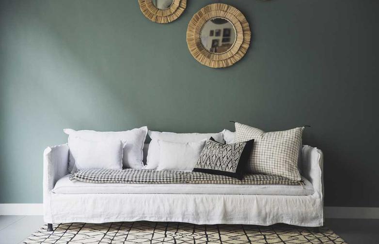 Holi Sofa