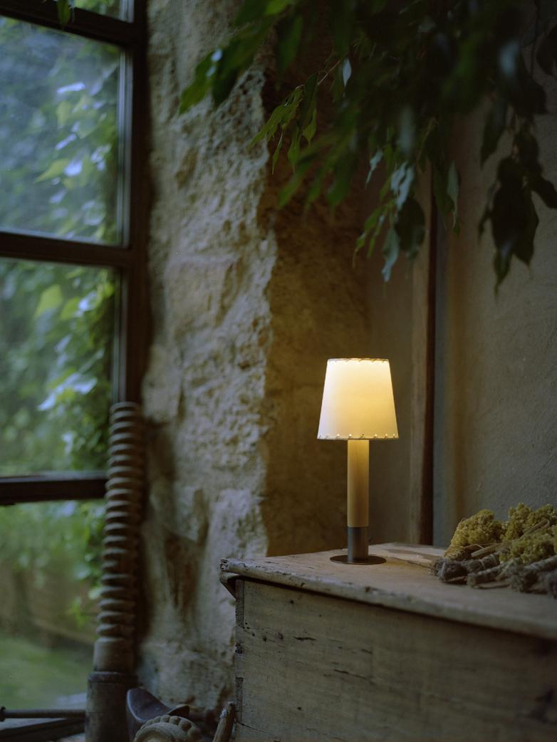 Básica Mínima - Table Lamp