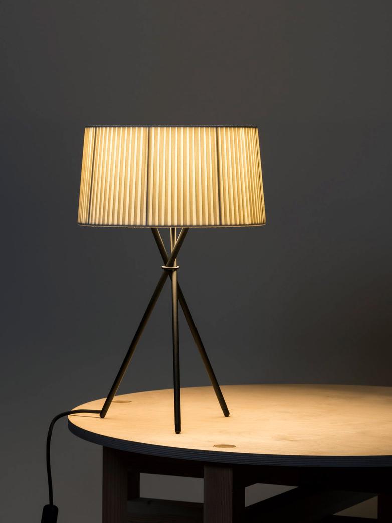 Trípode M3 Table Lamp