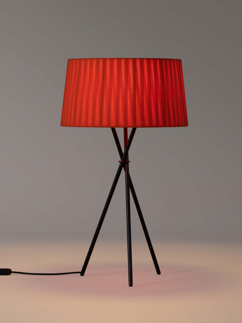 Trípode G6 Table Lamp