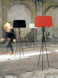 Trípode G5 Floor Lamp