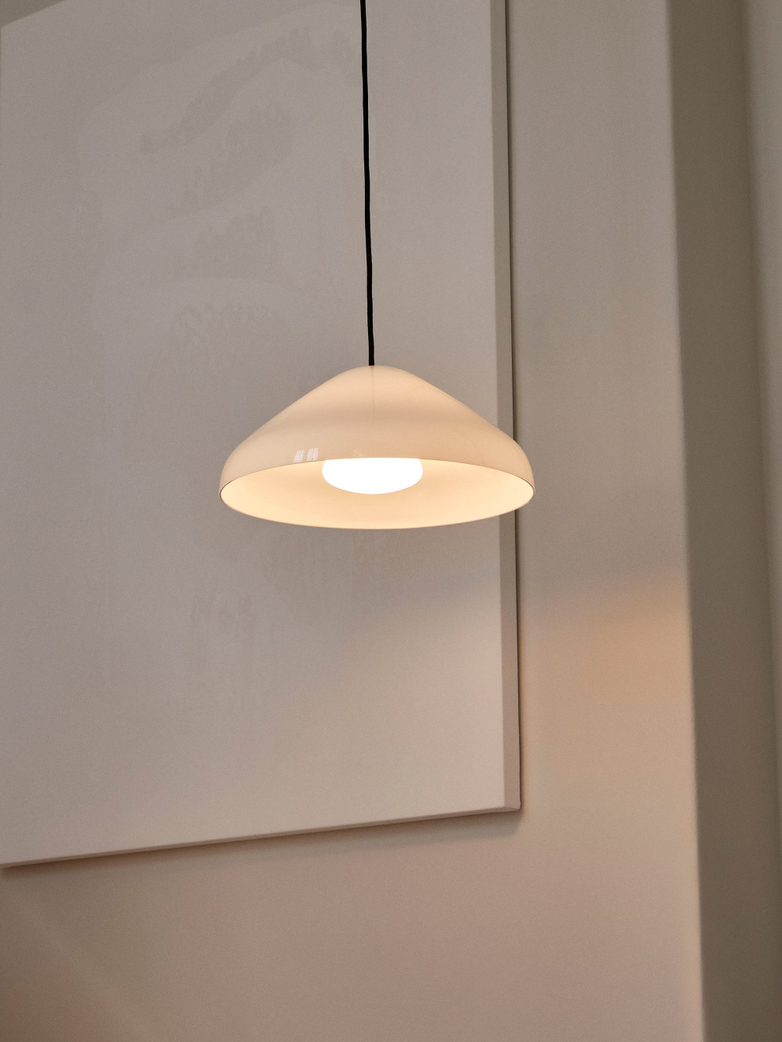 Pao Steel Pendant 35 cm -  White Opal
