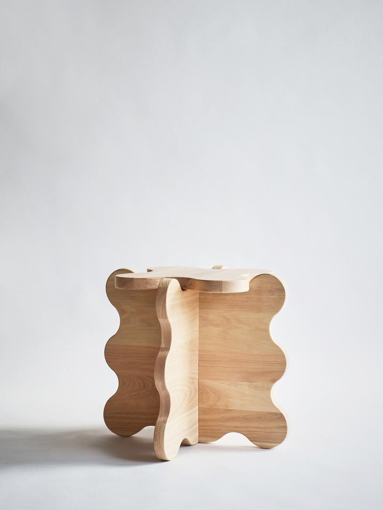 Curvy Table Mini - Oak