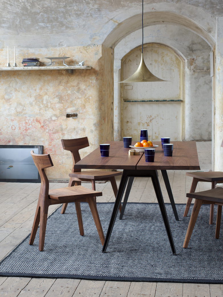 Welles Dining Table