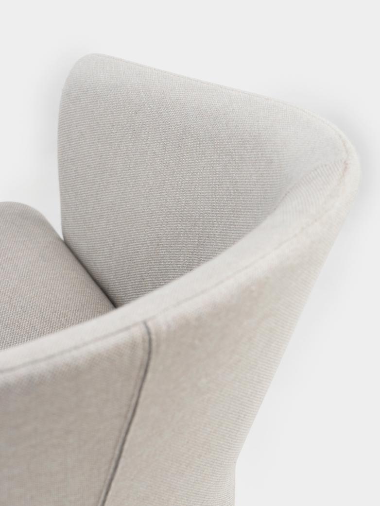 Saia Lounge Chair