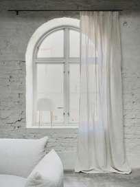 Astrid Paolina Curtain